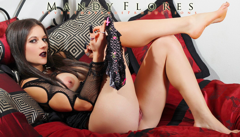 mandy flores threesome