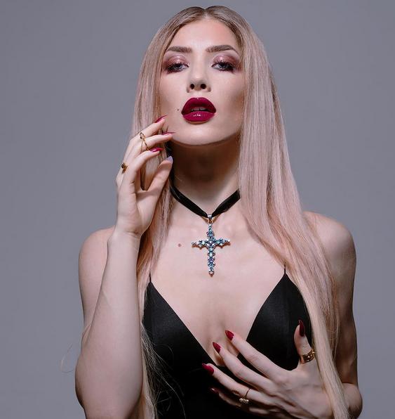 Theodora3