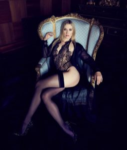 Mistress Riley Reyes