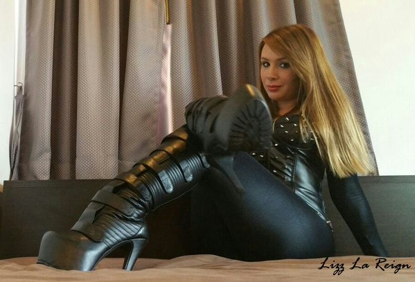 Feature Interview - Goddess Lizz La Reign - The Blackmail