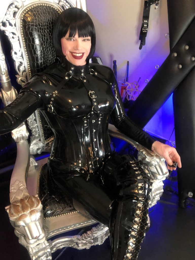Feature Interview - TS Mistress Mia - Domme Addiction